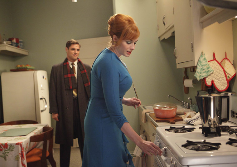 mad-men-episode-3-greg-joan