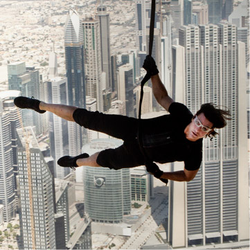 Mission-Impossible-Ghost Protocol-cruise-hanging