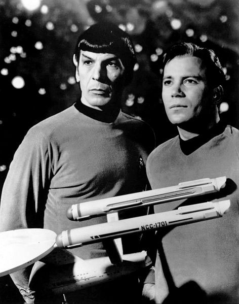 Leonard_Nimoy_William_Shatner_Star_Trek_Press Photo 1968 Wikipedia Commons