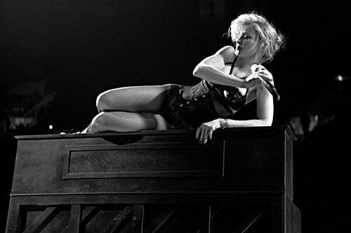 Madonna-_The_MDNA_Tour_still_Klein