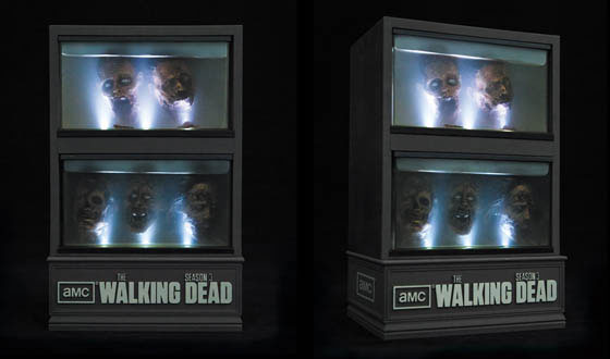 The-Walking-Dead-Season-3-Limited-Edition-aquarium-packaging-two-views