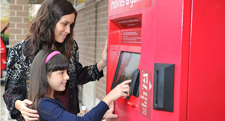 redbox-mom-daughter-768px