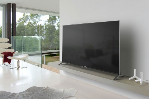 Sony-XBR70X850B-70-Inch-4K-Ultra-HD-Living-Room1024px