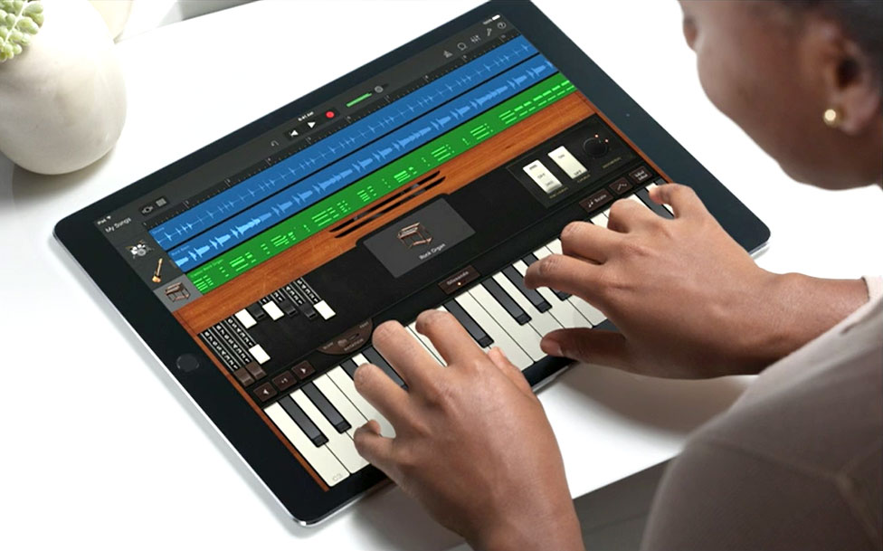 iPad-Pro-Apple-Keynote-Screenshot-Piano-Keys