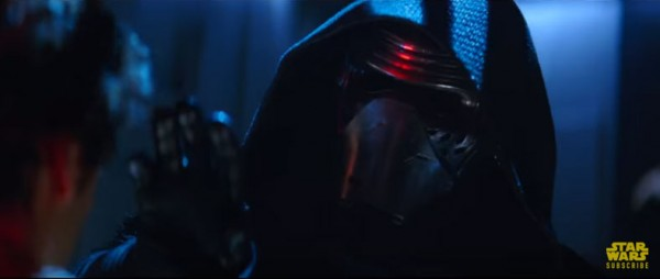 star-wars-the-force-awakens-thanksgiving-trailer-still1-Kylo-Ren