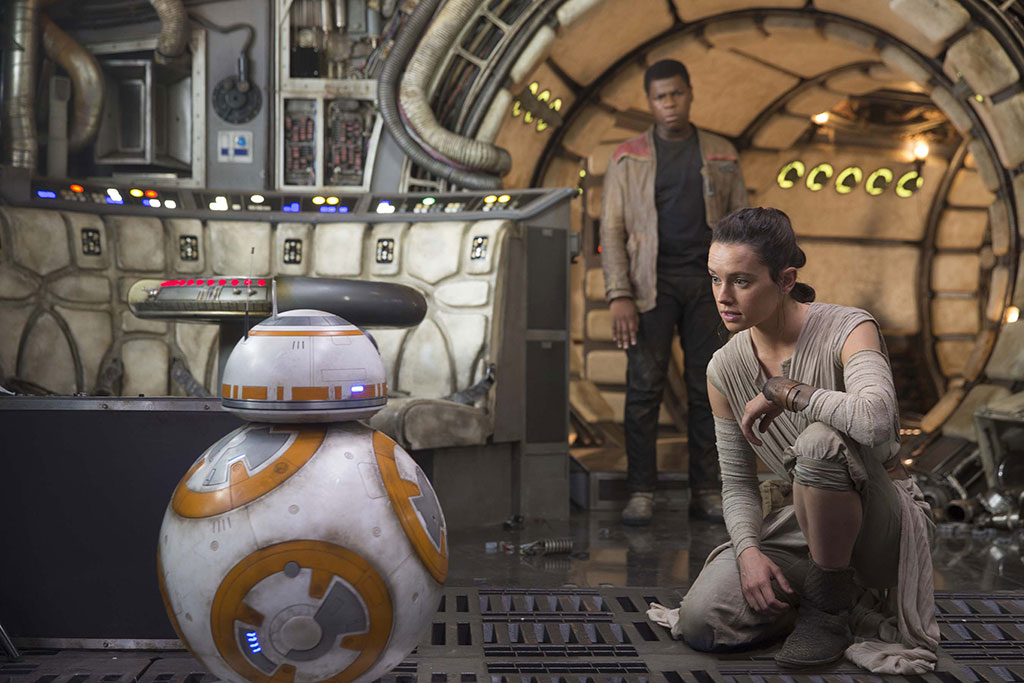 star-wars-the-force-awakens-still-Rey-BB-8-Finn