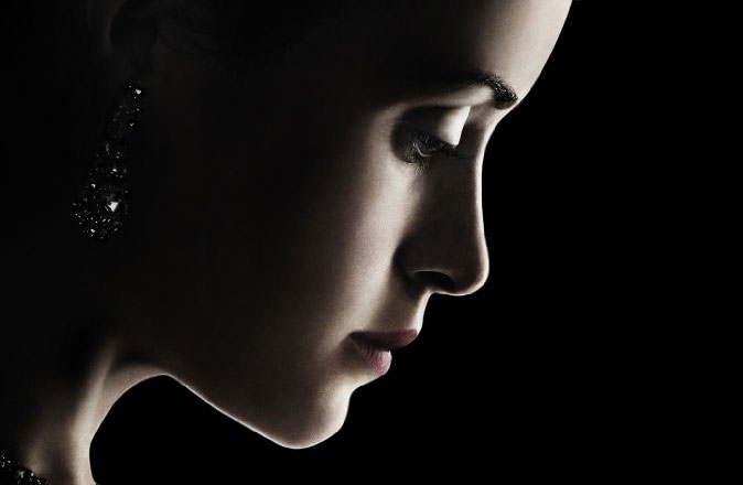 the-crown-netflix-poster-crop
