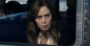 emily-blunt-the-girl-on-the-train-still1-1280px