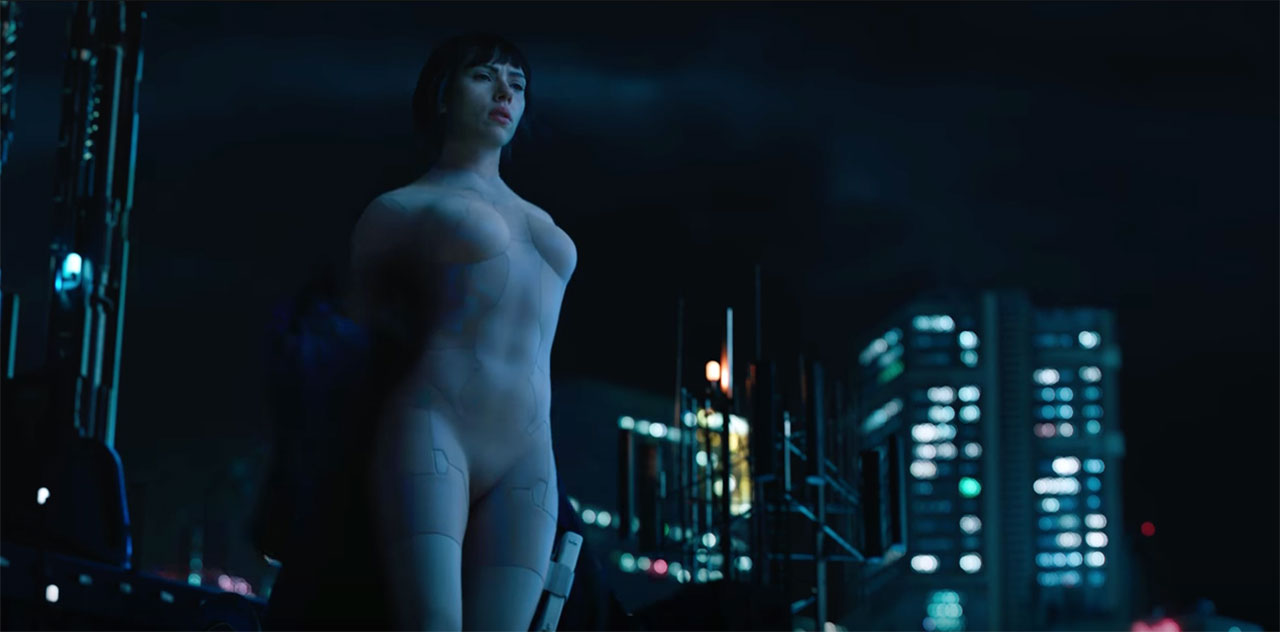 Ghost-in-the-Shell-Scarlett-Johansson-dive