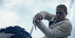King Arthur Legend of the Sword Still 1
