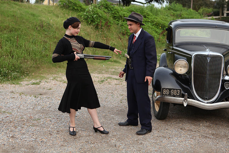 Holliday-Grainger-and-Emile-Hirsch-in-Bonnie-&-Clyde-800px