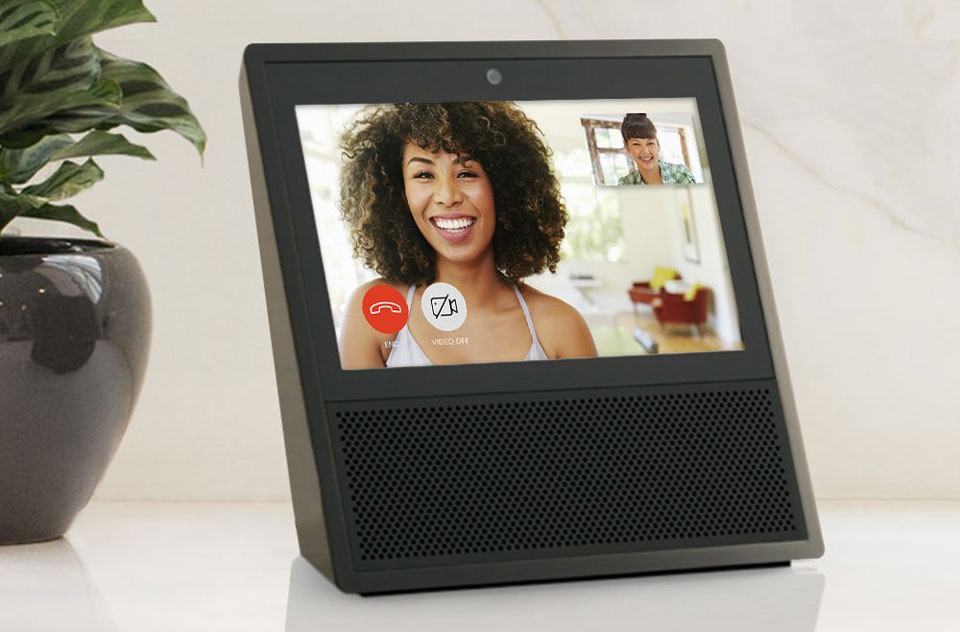 Amazon-Echo-Show-call-sara-960px