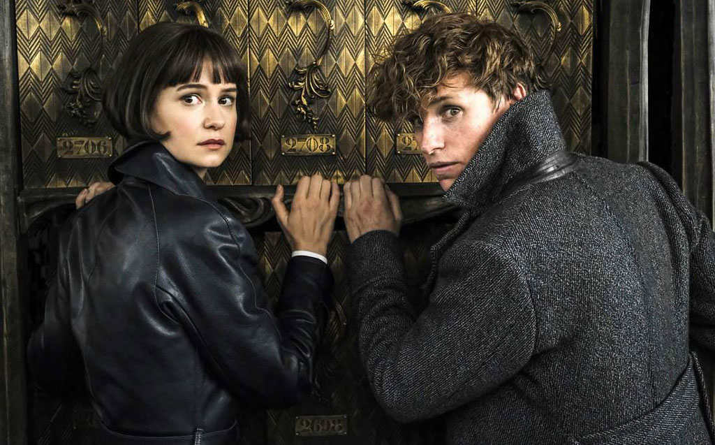Eddie-Redmayne-and-Katherine-Waterston-in-Fantastic-Beasts--The-Crimes-of-Grindelwald-still1-1024px