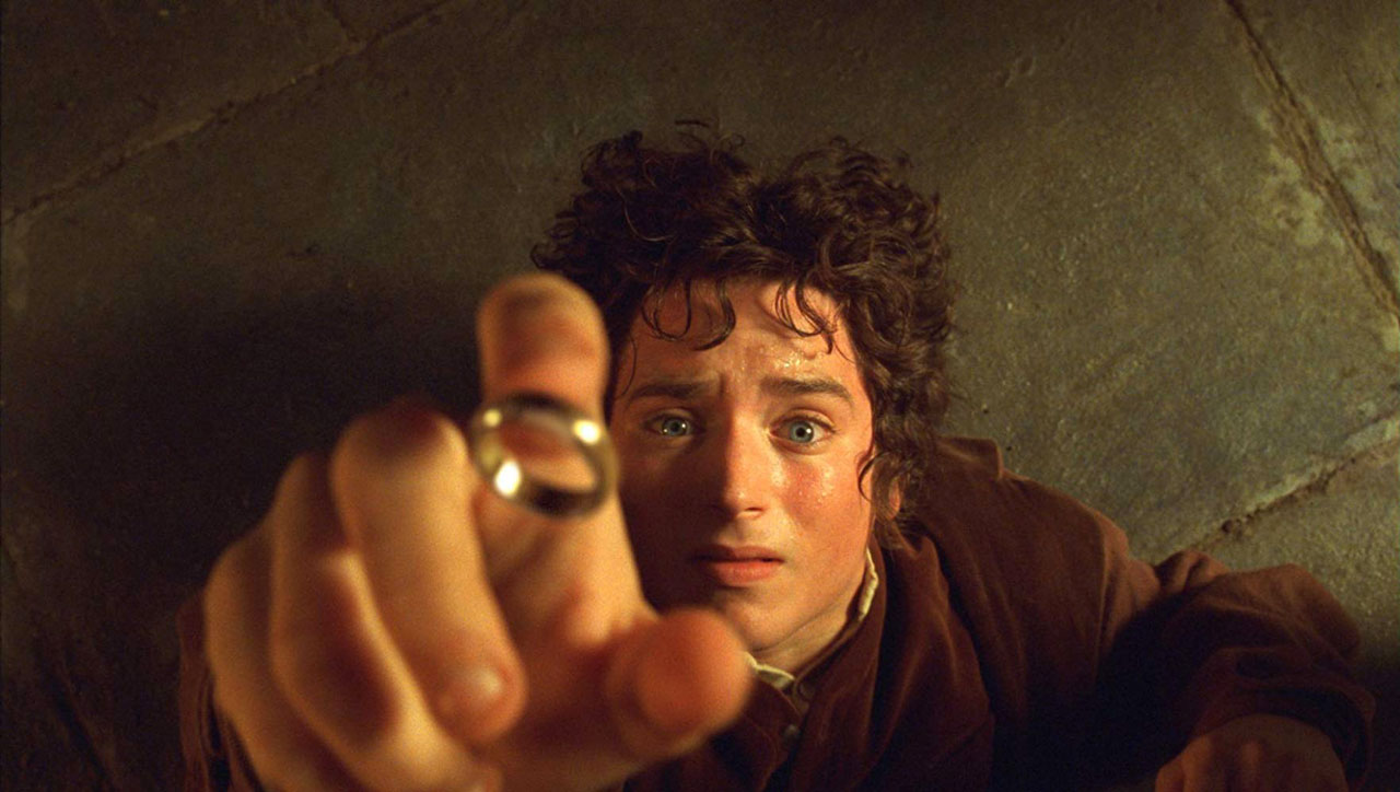 The-Lord-of-the-Rings-The-Fellowship-of-the-Ring--Elijah-Wood-2001-New-Line-1280px