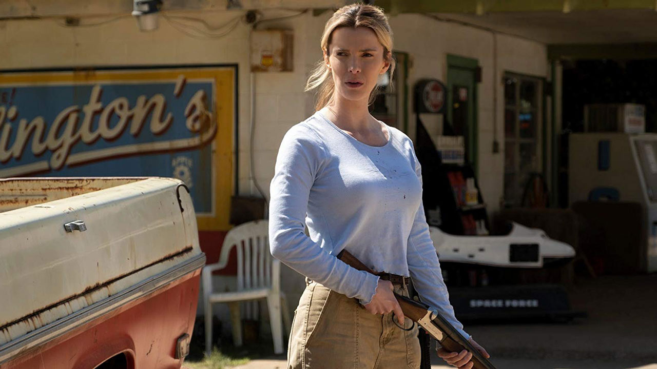 """Betty Gilpin stars in """"The Hunt"""" (2020)"""