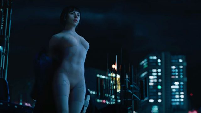 Ghost-in-the-Shell-Scarlett-Johansson-dive.jpg