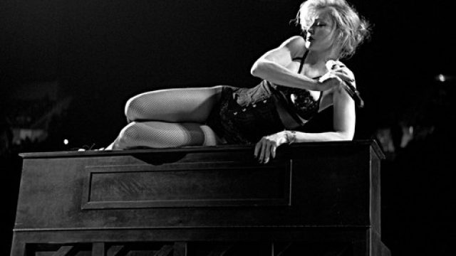 Madonna-_The_MDNA_Tour_still_Klein.jpg