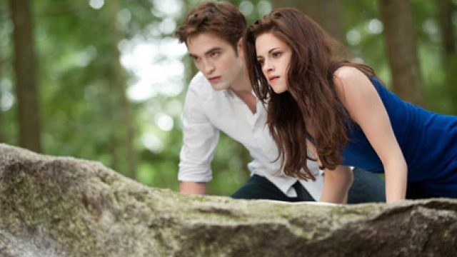 THE-TWILIGHT-SAGA-BREAKING-DAWN-PART-2-still1-300px.jpg