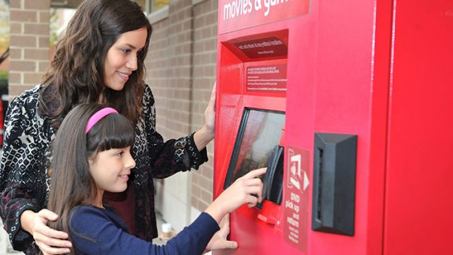 redbox-mom-daughter-768px.jpg