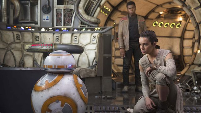 star-wars-the-force-awakens-still-Rey-BB-8-Finn.jpg