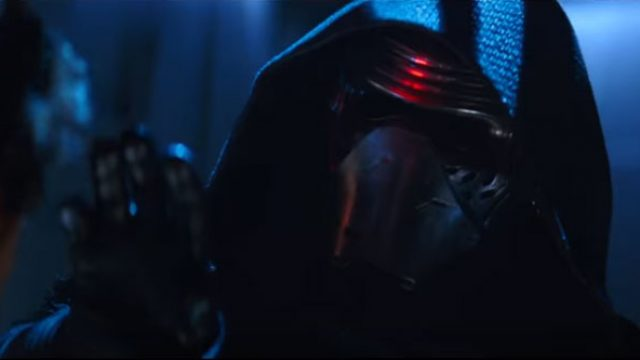 star-wars-the-force-awakens-thanksgiving-trailer-still1-Kylo-Ren.jpg