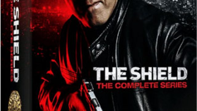 the-shield-complete-series-Blu-ray-3d.jpg