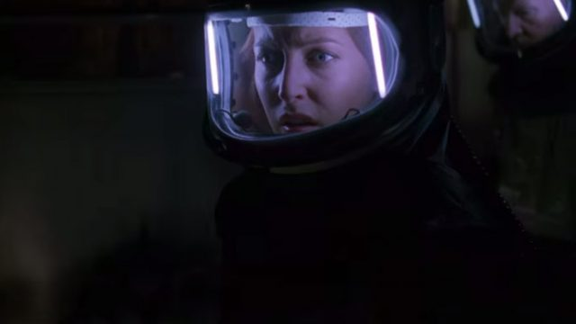 the-xfiles-teaser-still1gillian-anderson.jpg