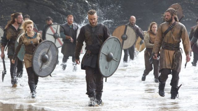 vikings_gallery_beach_still1_300px.jpg